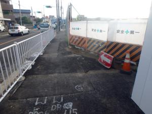 土砂が撤去された現地。右がスーパー堤防地、左が千葉街道。